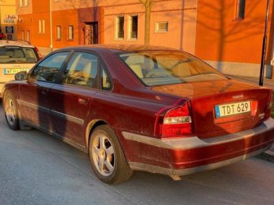 Volvo S80 2.4 Automat 170HK besiktigad